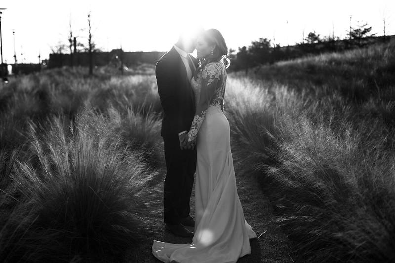 Kate&Josh_B&W_ZACH.WATHEN.PHOTOGRAPHER-451.jpg