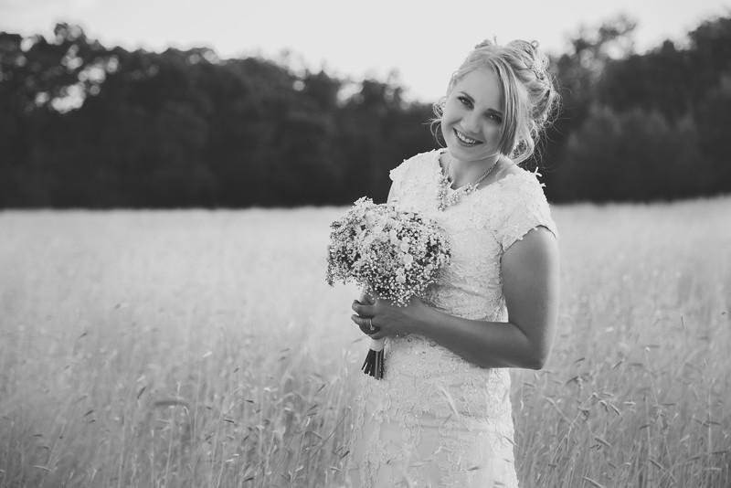 Bridals-11BW.jpg