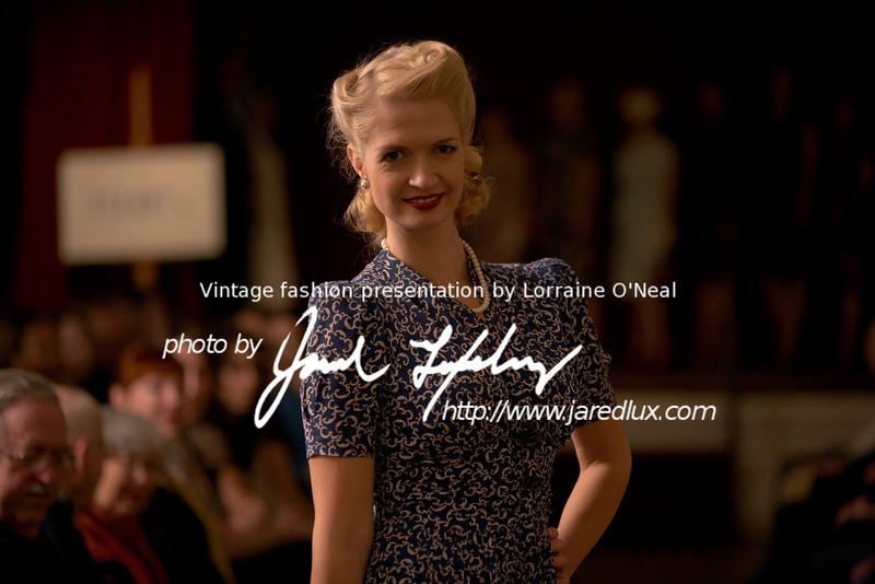 vintage_fashion_show_09_f3514056.jpg