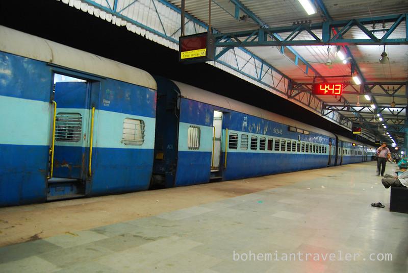 Junagadh train arrival.jpg