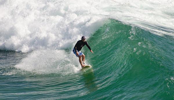 Surfing Cabarita