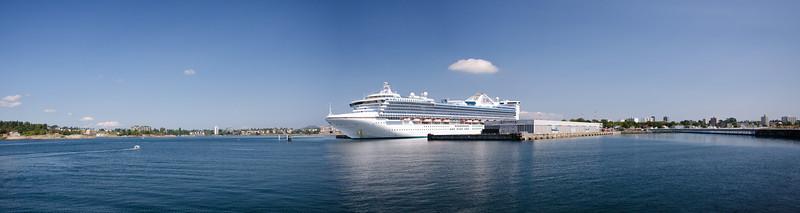 2014 August OgdenPoint Cruiseship Pano1.jpg