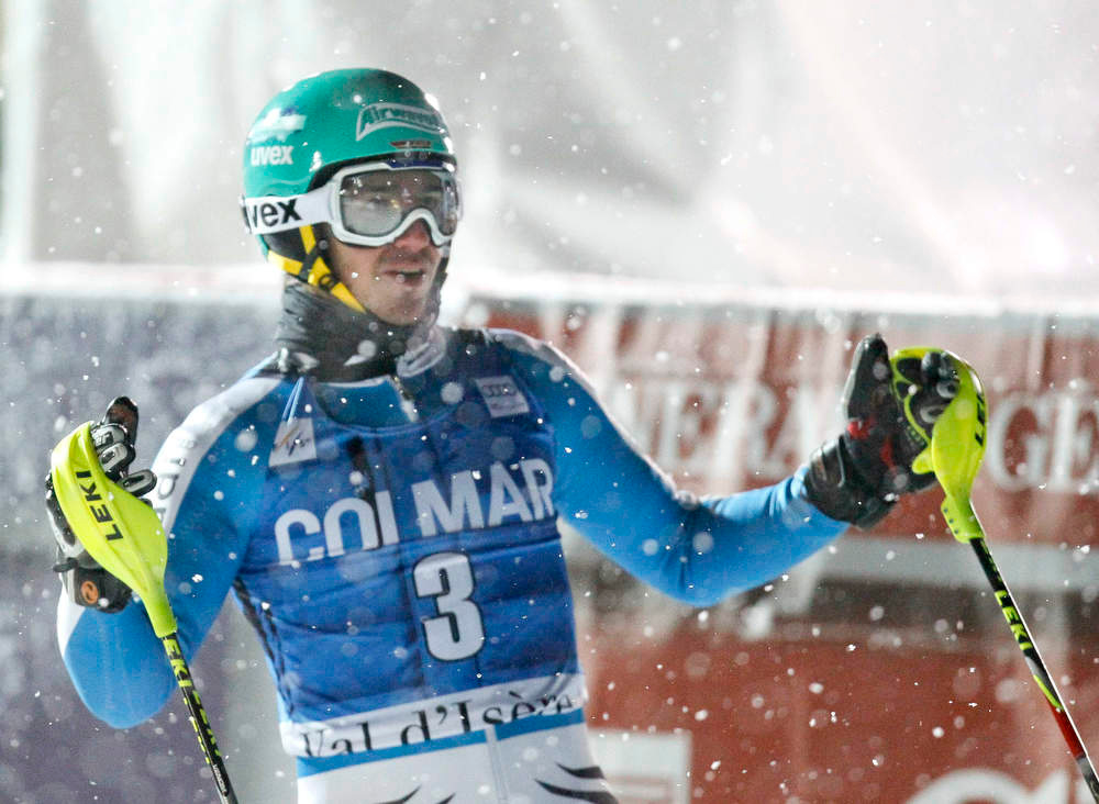 . Felix Neureuther of Germany reacts after placing second in the men\'s World Cup Slalom skiing race in Val d\'Isere, French Alps, December 8, 2012.    REUTERS/Robert Pratta