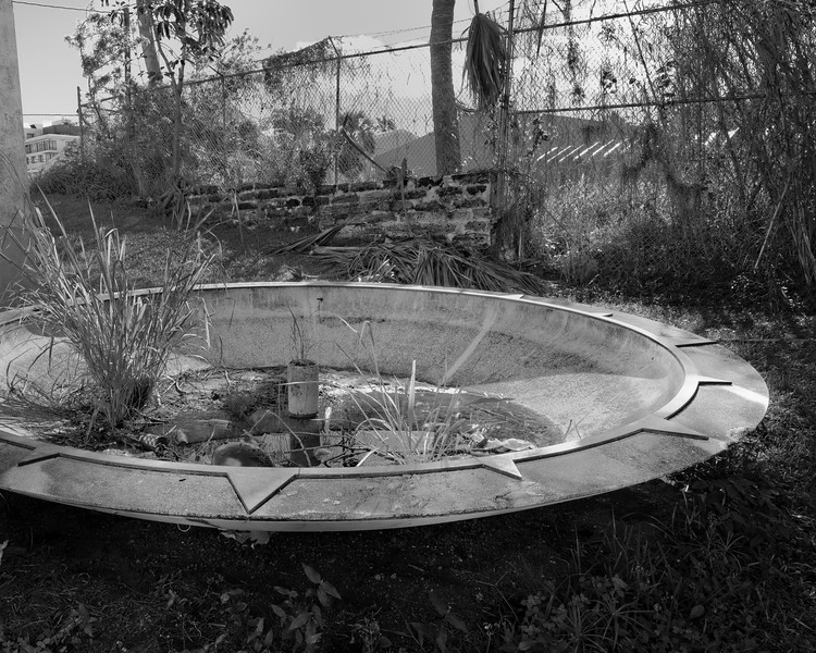 T6254 BOB Fountain BW_edited-1.jpg