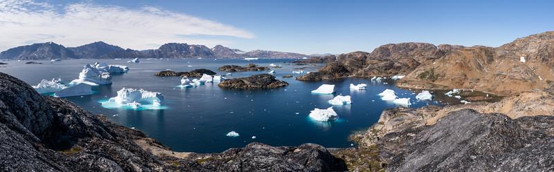 Ammassalik Looking across Sermalik Fjord PS i4.jpg