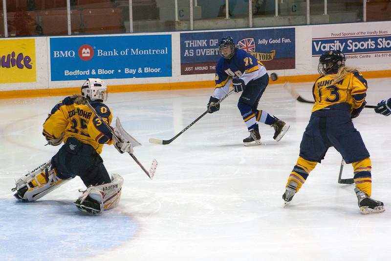 20130310 QWHockeyvsUBC 630.jpg