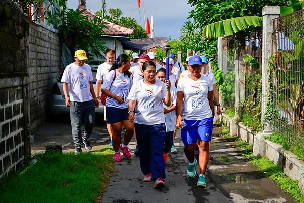PeaceRun visits-3 Schools