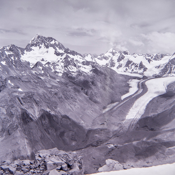 1962 Dec JER Mathews tramping up the Godley above Tasman Glacier, NZ 77 (LF trans) a.jpg