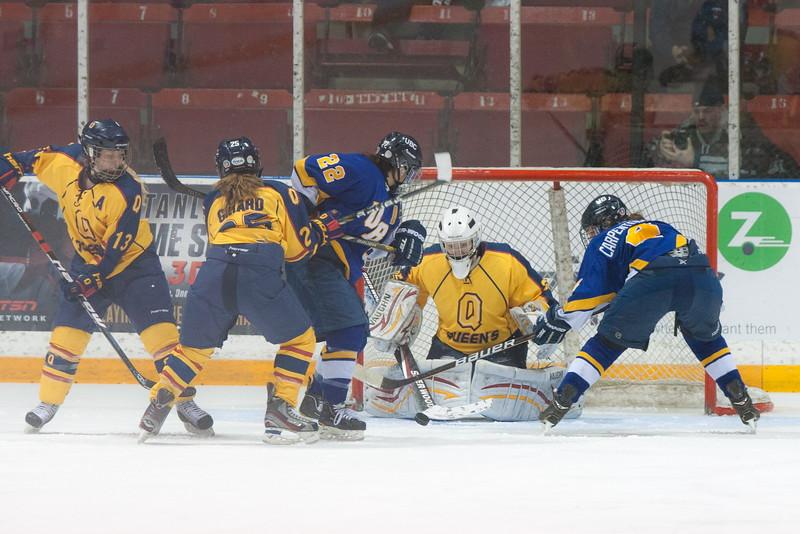 20130310 QWHockeyvsUBC 450.jpg