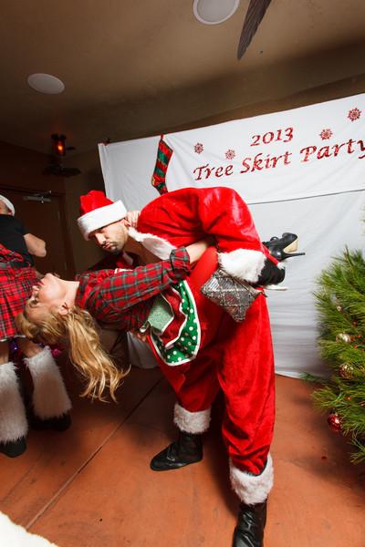 TreeSkirt2013-118.jpg