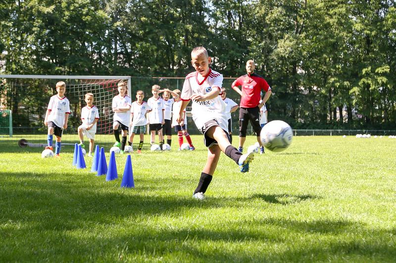 hsv_fussballschule-265_48047993863_o.jpg