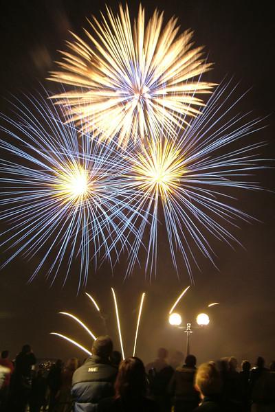 2005_1102canarywharffireworks008_edited-1.JPG