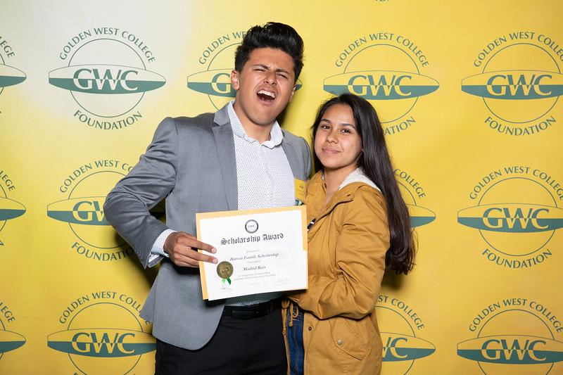 Scholarships-Awards-2019-0702.jpg