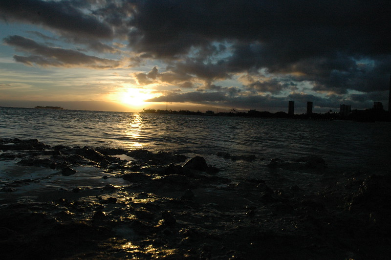 Hawaii - Ala Moana Beach Sunset-26.JPG