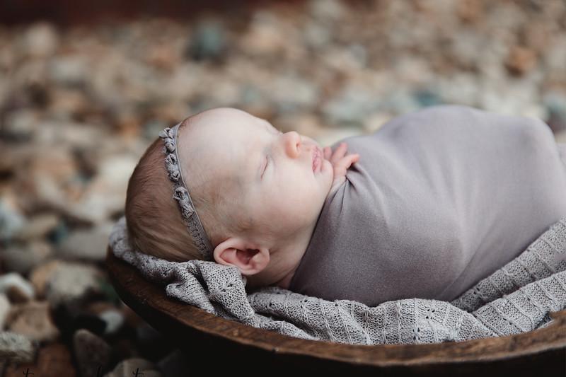 Autumn-Newborn-Low-Resolution370A0036-Edit.jpg