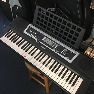 Yamaha YPT210 Portable Keyboard, Used