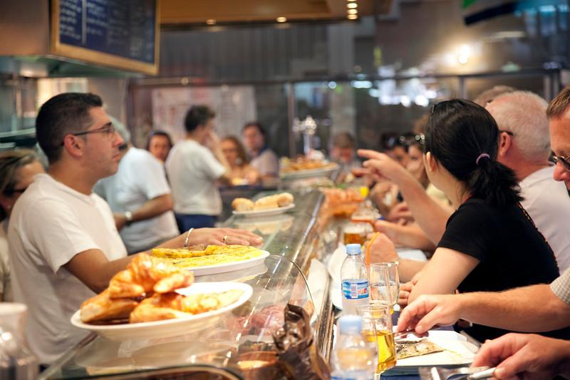 Snack bar at Boqueria market, town of Barcelona, autonomous commnunity of Catalonia, northeastern Spain