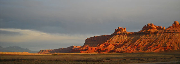Canyonlands-sun-setting.jpg