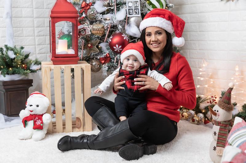 12.24.19 - Adriana's Christmas Photo Session 2019 - -52.jpg