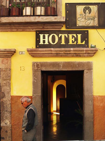 Hotel 13 lr.jpg