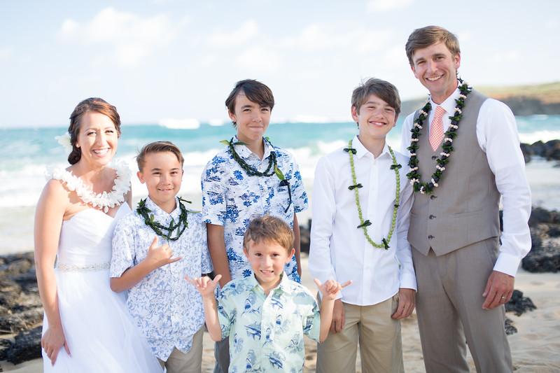 gillin beach kauai wedding-171.jpg