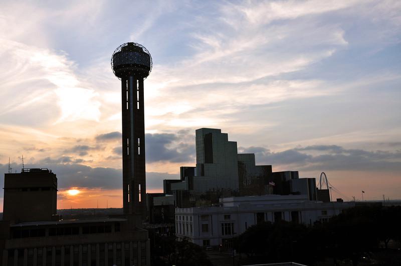 Dallas Skyline - Reunion Tower 03.jpg