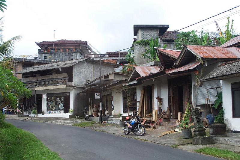 Road on Bali 2.jpg