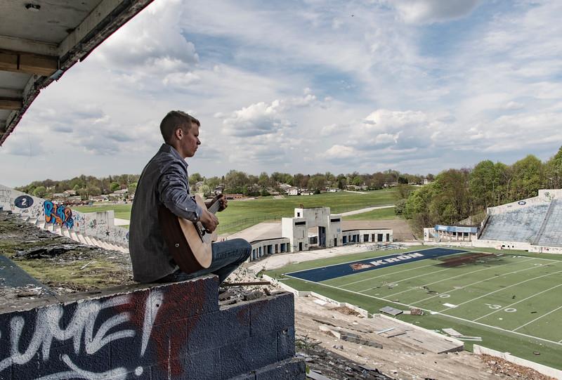 Andrew-Rubber-Bowl-Akron-guitar3.jpg