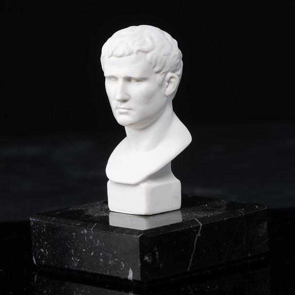 Statue-1-478.jpg