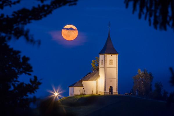 Jamnik in the moonlight