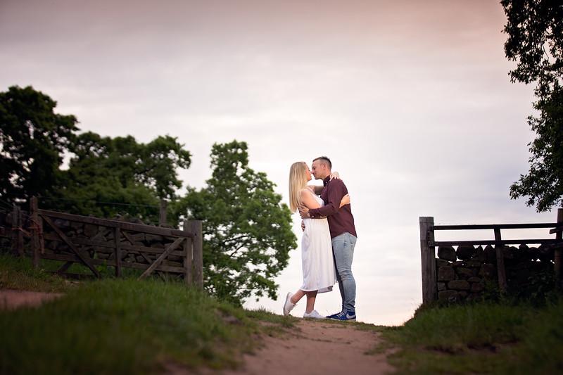 Sarah & Daniel E-Shoot_040.jpg