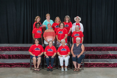 999 Auxiliary Member Award Group Photo