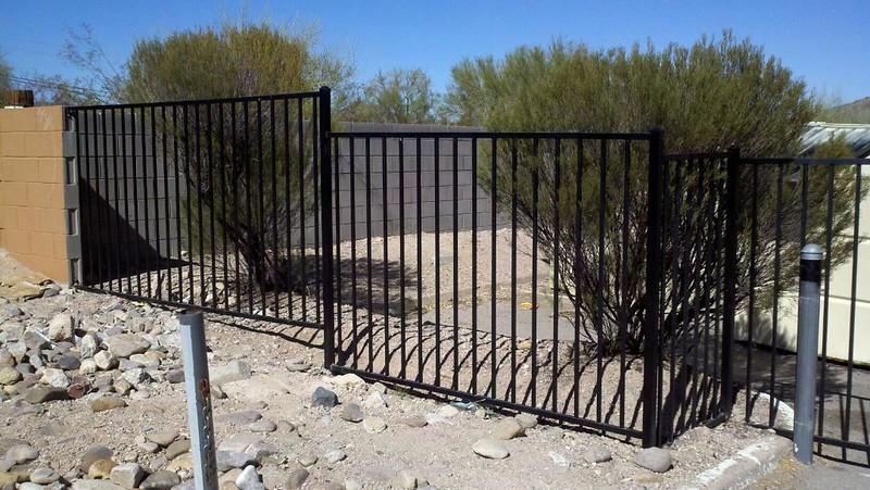 Fencing plain, blk - portof.jpg