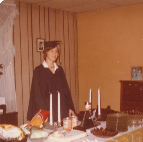 Jeanette Graduation 1975.jpg