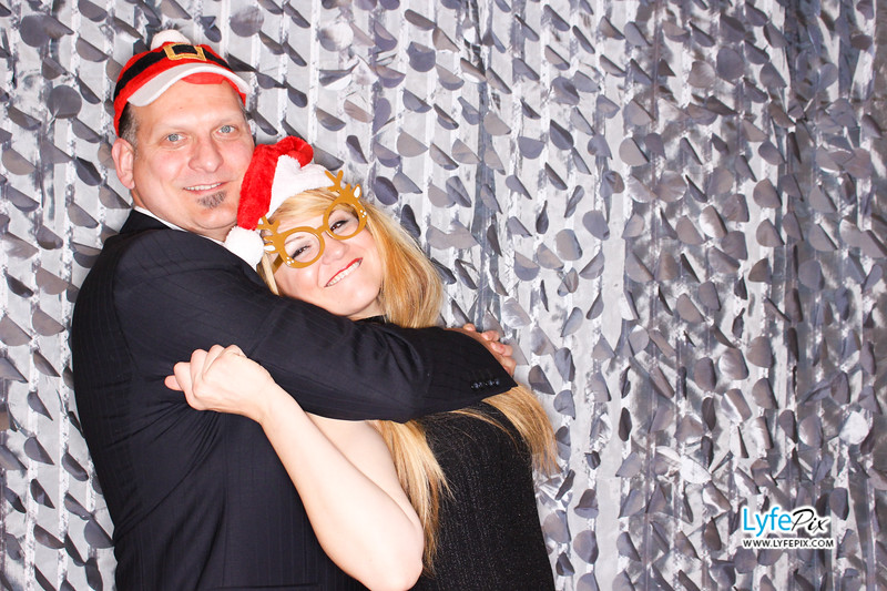 red-hawk-2017-holiday-party-beltsville-maryland-sheraton-photo-booth-0150.jpg