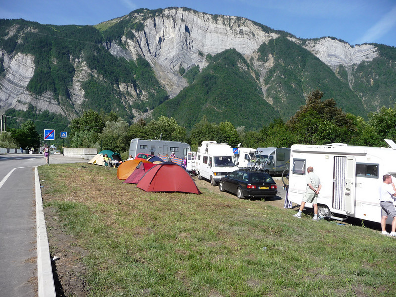 More roundabout campers Location - le Bourg d'Oisans