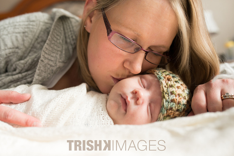 newborn-photography-orangeville-sml-1.jpg