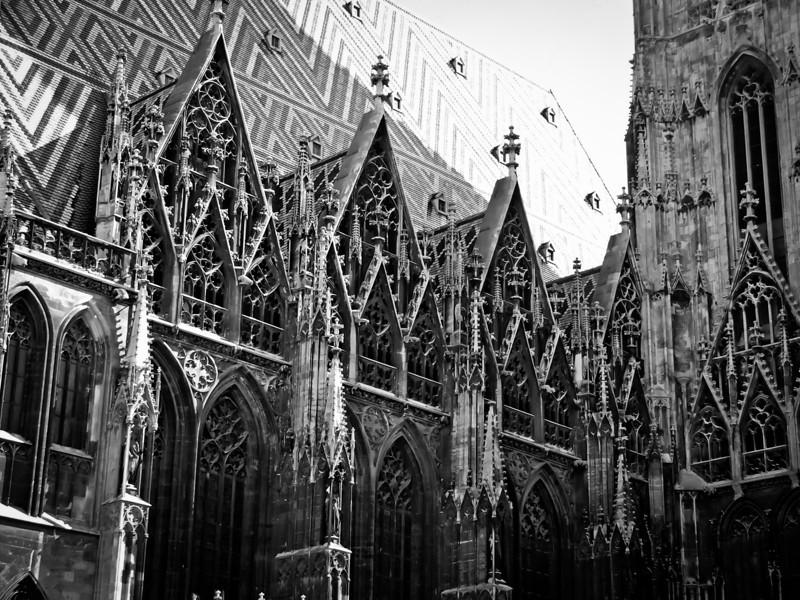 Vienna - Stephansdom 3.jpg
