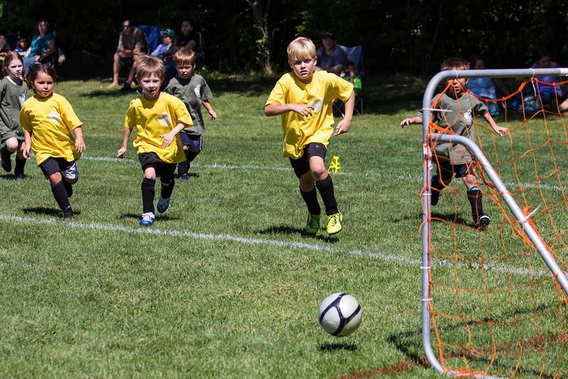 Soccer game 1-186.jpg