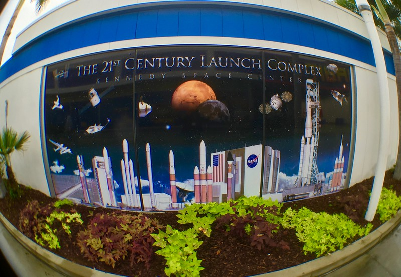 2015-12-18_Spirit-of-Exploration-KSC_07_Launch-Complex-mural
