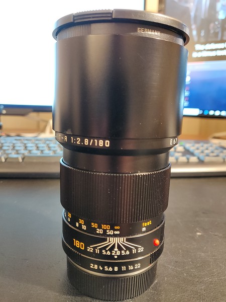 Leica R 180mm 2.8 Elmarit-R I - Serial 3729883 001.jpg