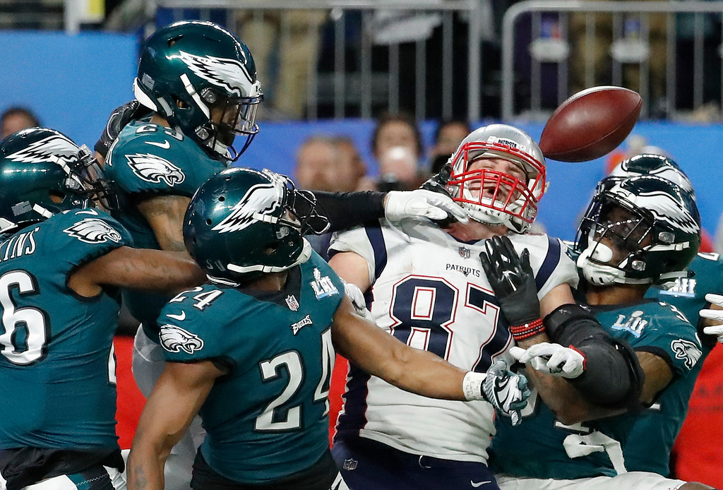. New England Patriots\' Rob Gronkowski (87) cannot catch a pass during the second half of the NFL Super Bowl 52 football game against the Philadelphia Eagles Sunday, Feb. 4, 2018, in Minneapolis. The Eagles won 41-33. (AP Photo/Matt York)