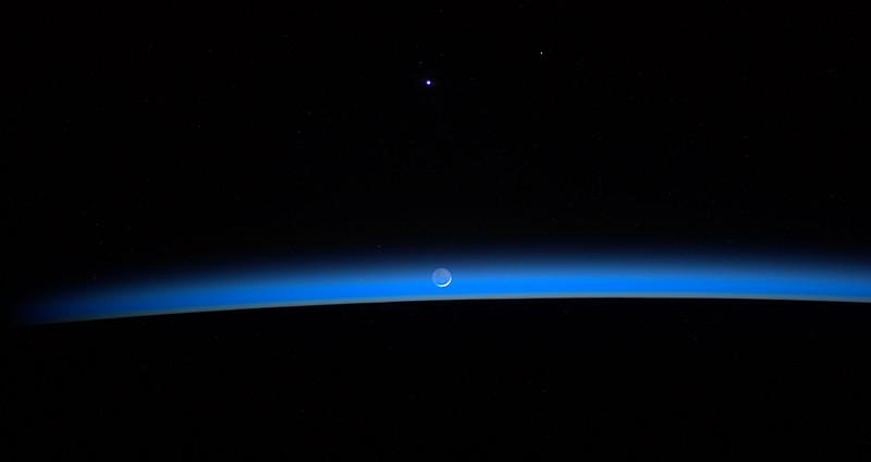 waning-moon-6-18-2012-07;45UT934_7572.jpg