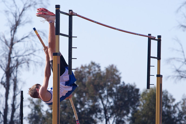 Josh Pole Vaulting @ Poway High - Palomar League Prelims - 2012-05-08