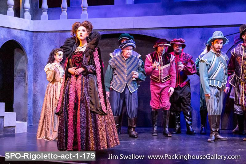 SPO-Rigoletto-act-1-179.jpg