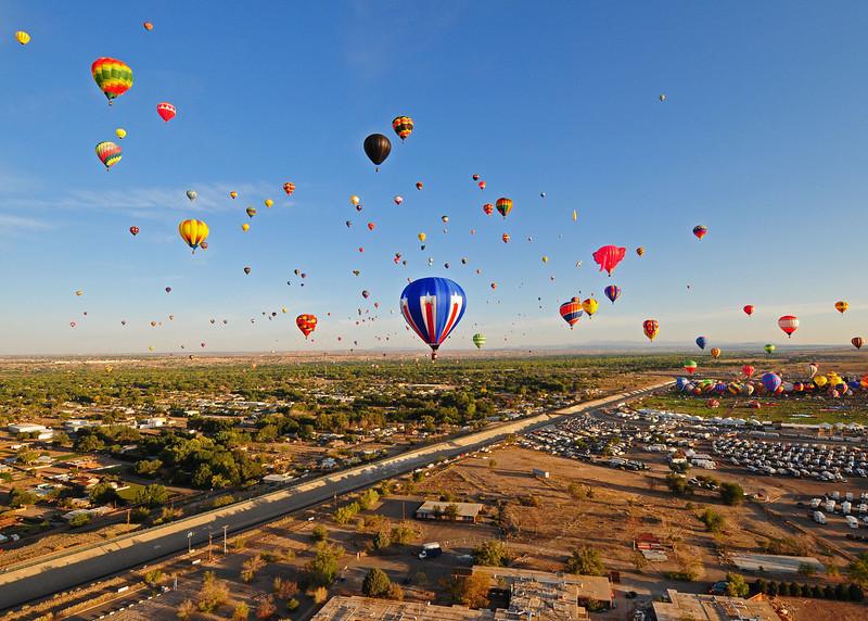 NEA_5782-7x5-Balloons.jpg