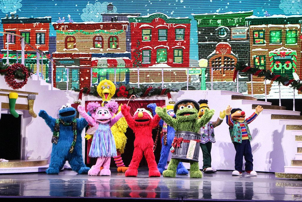 Universal Studios Singapore December Park Update - Santa's All Star Christmas 2016 / Bah Humbug Sesame Street gang by Maddy
