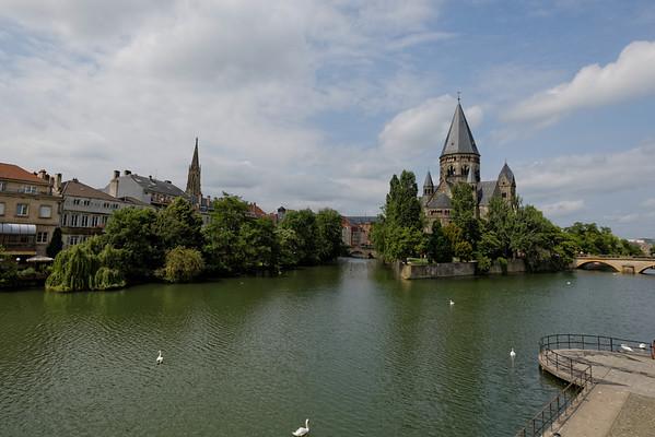 Metz 2014