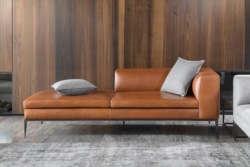 Showrooms & Furniture