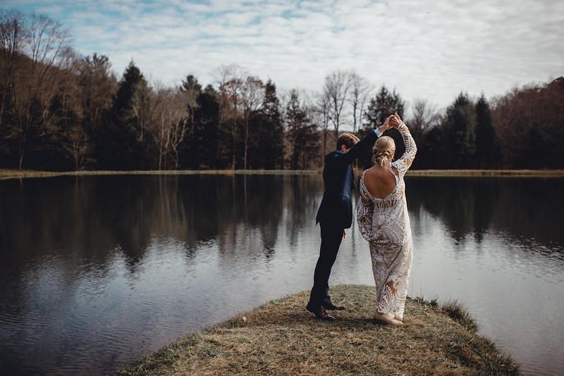 Requiem Images - Luxury Boho Winter Mountain Intimate Wedding - Seven Springs - Laurel Highlands - Blake Holly -687.jpg